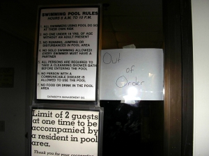 pool_sign2