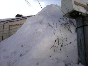 snow_pile2015